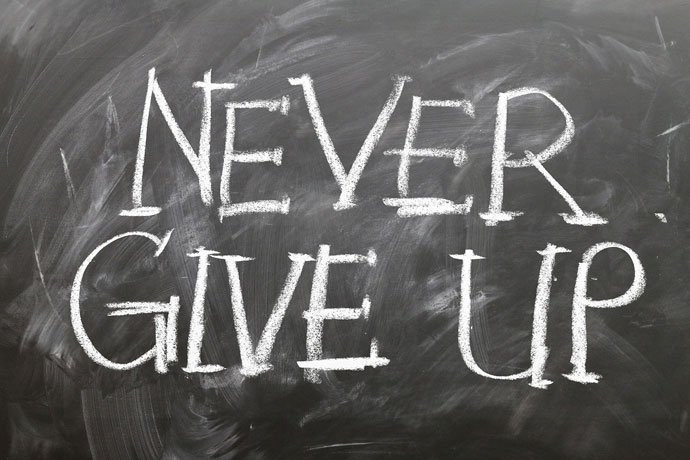 never give up quote for Whatsapp friends group image
