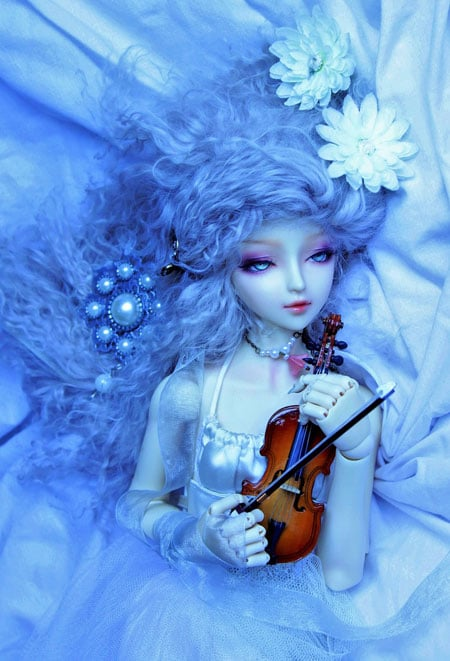 sweet doll with violin